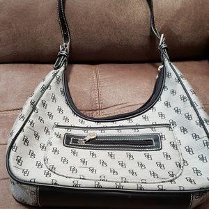 Medium size Dooney & Bourke purse